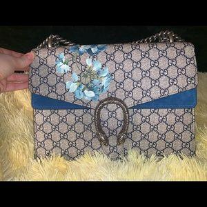 GUCCI GG Supreme Blooms Dionysus Shoulder Bag